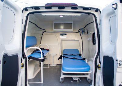 Ambulância Fiorino interno - Tecform Transformação Veicular