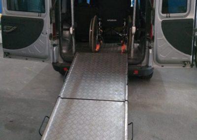 adaptação fiat doblo cadeirante com elevação teto - tecform transformação veicular